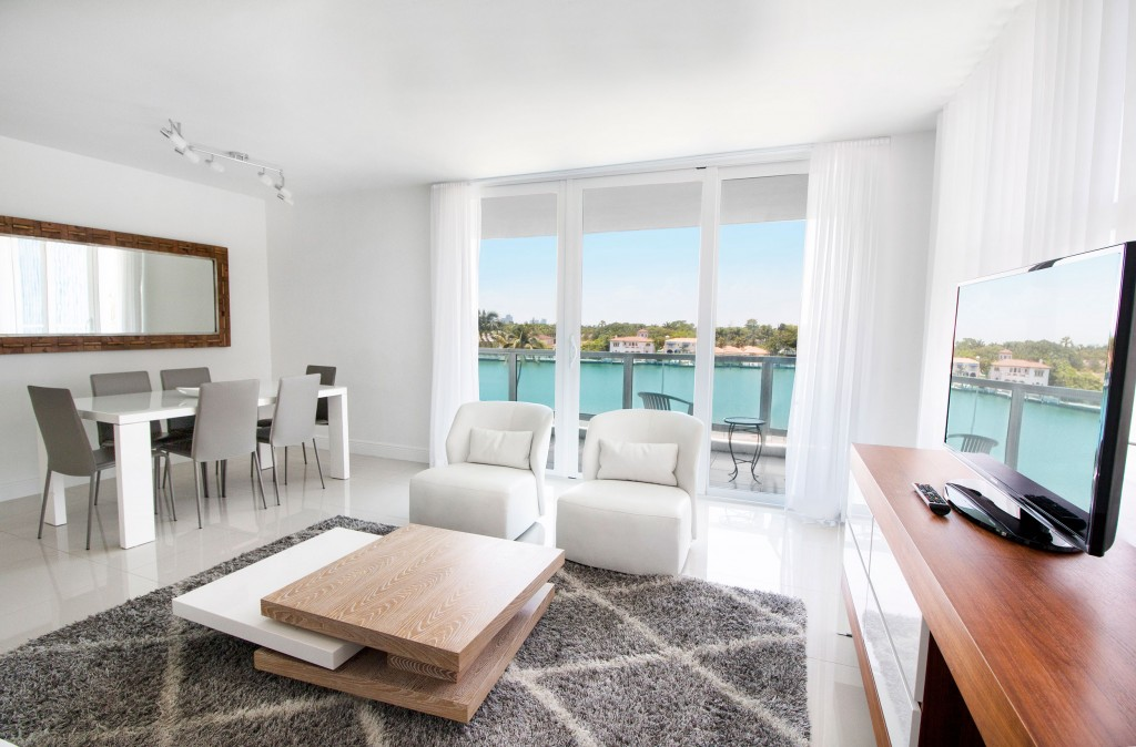 Photo gallery seacoast suites miami beach oceanfront hotel - Cheap 2 bedroom suites in miami beach ...