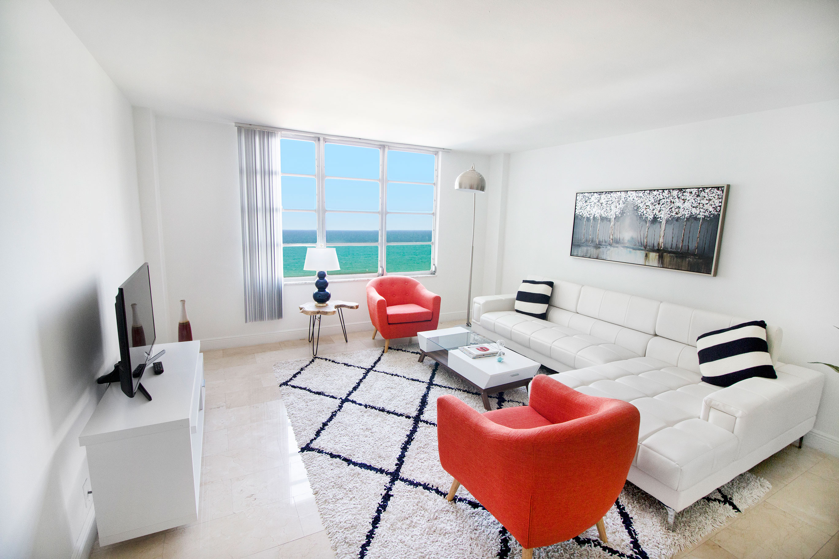 Living room of a Deluxe 1 Bedroom Apartment at Seacoast Suites